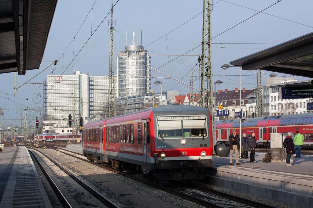 railway-station-282882_1280