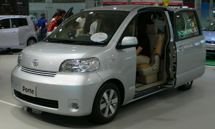Toyota_Porte_02