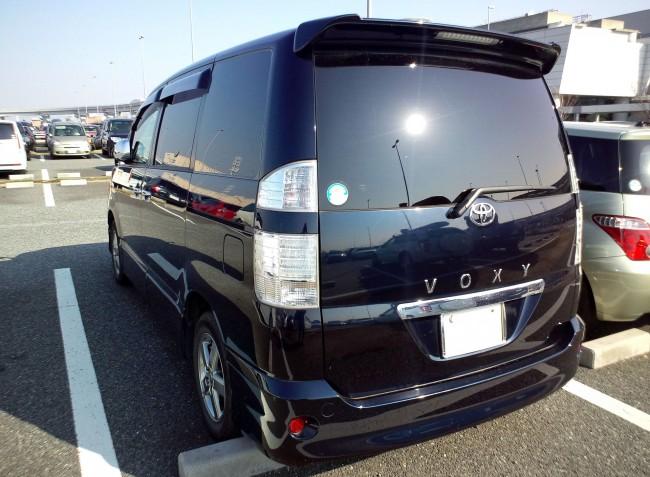 Toyota_Voxy_Z_kirameki_Rear(2005)